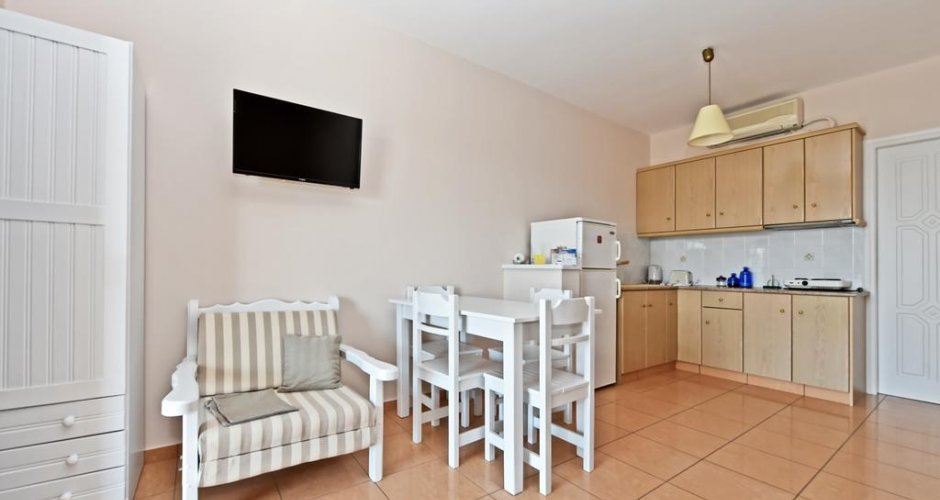Family Apartment with sea view on the ground floor